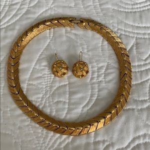 NWOT Monet gold necklace and matching earrings